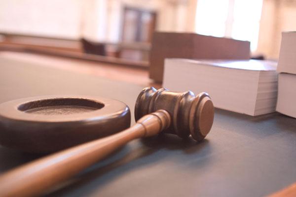mazo de un juez | Traducción jurídica y jurada de inglés a español