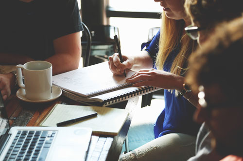 contratos en el derecho inglés | Traducción jurídica y jurada de inglés a español